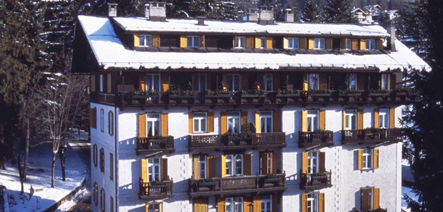italy_cortina_d'ampezzo_hotel_majoni_exterior.jpg